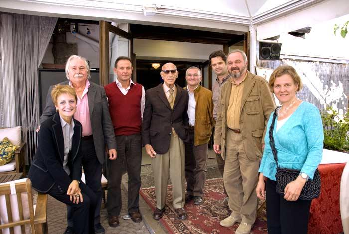 gruppo organizzatori con Dorfles